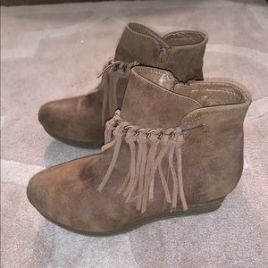 Taupe ankle booties!